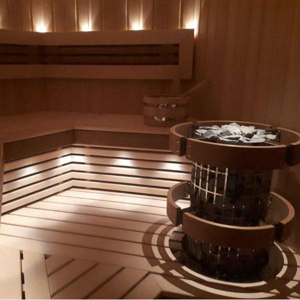 Строительство саун со встроенной в полок электрокаменкой